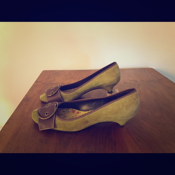 Miu Miu Shoes - Miu Miu green kitten heel shoes. Size 37.5